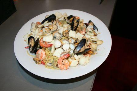 Spaghetti aux fruits de mer moulin poivres - Spaghetti aux fruits de mer ...